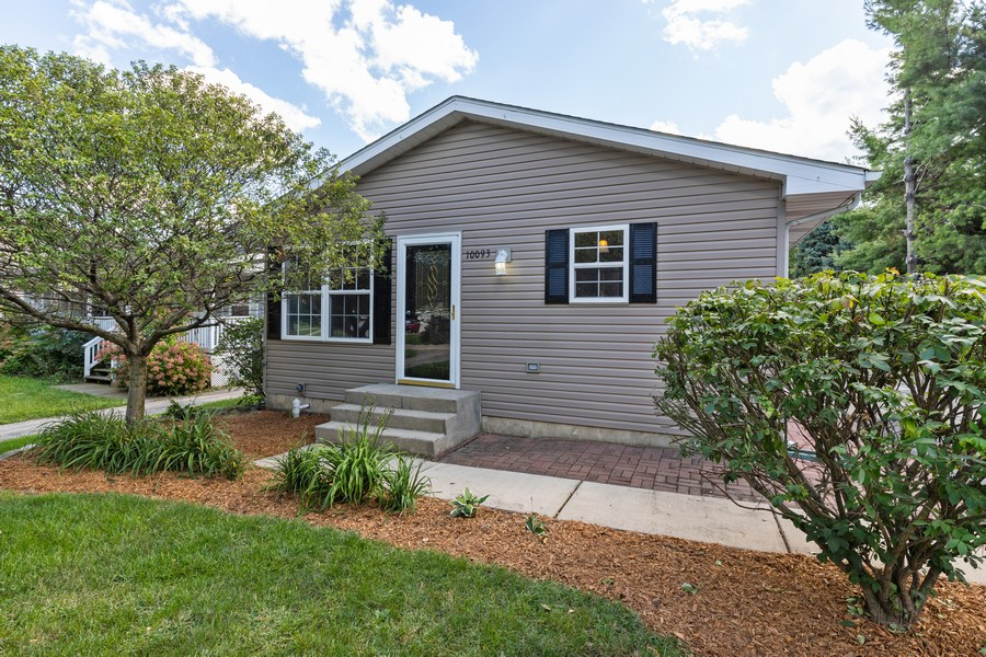 Real Estate Photography - 10093 West Ford Ave, Beach Park, IL, 60099 - Front View