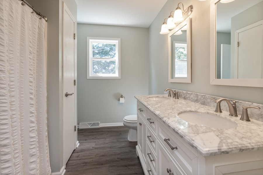 Real Estate Photography - 10093 West Ford Ave, Beach Park, IL, 60099 - Bathroom