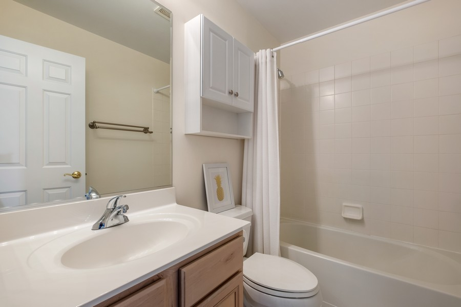 Real Estate Photography - 1857 Westleigh Dr, Glenview, IL, 60026 -