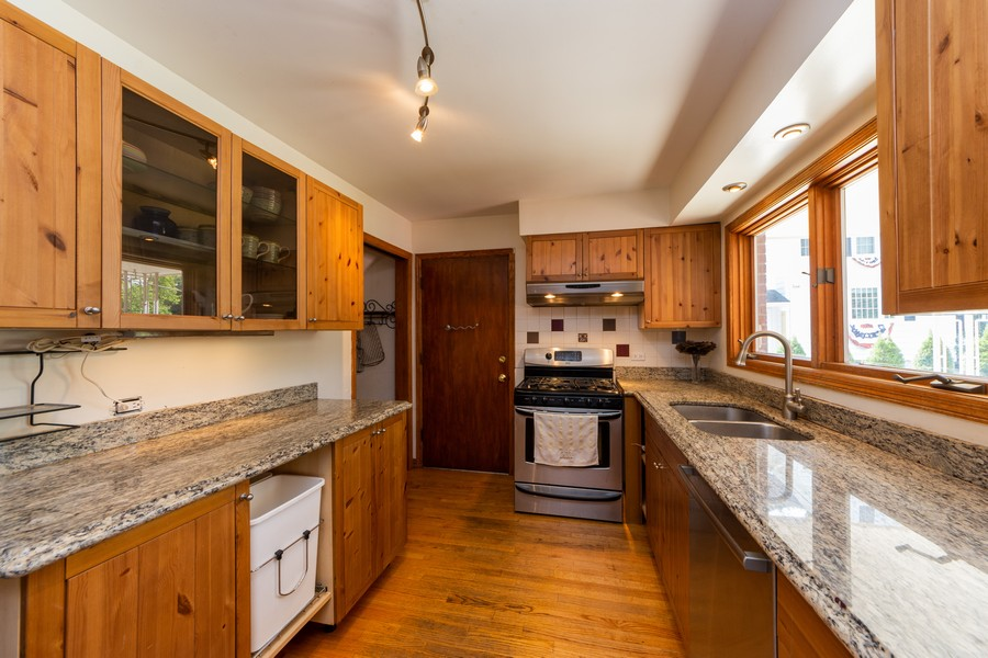 Real Estate Photography - 403 North Plum Grove Rd, Palatine, IL, 60067 - Kitchen