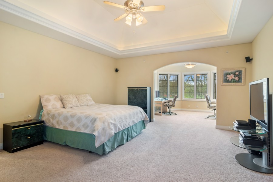 Real Estate Photography - 46 Inverway Rd, Inverness, IL, 60067 - Master Bedroom