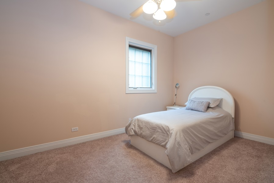 Real Estate Photography - 46 Inverway Rd, Inverness, IL, 60067 - 5th Bedroom