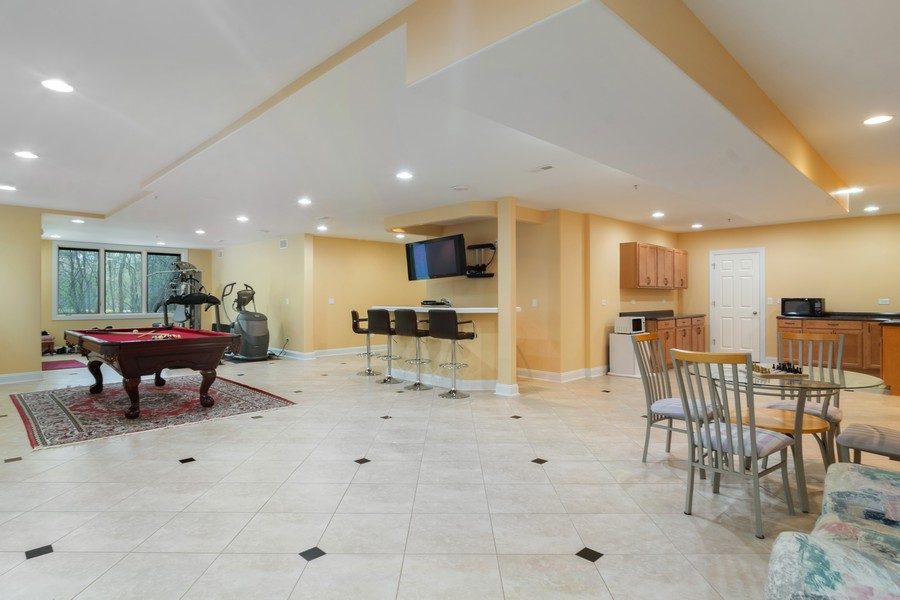 Real Estate Photography - 46 Inverway Rd, Inverness, IL, 60067 - Lower Level