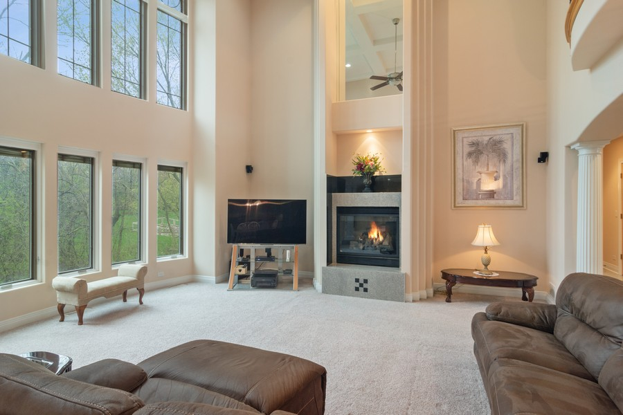 Real Estate Photography - 46 Inverway Rd, Inverness, IL, 60067 - Family Room