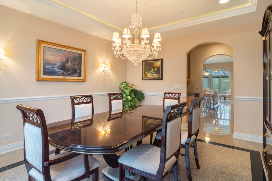 Real Estate Photography - 46 Inverway Rd, Inverness, IL, 60067 - Dining Area