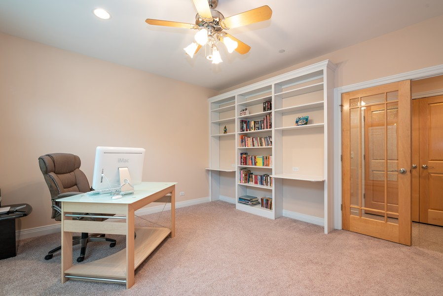Real Estate Photography - 46 Inverway Rd, Inverness, IL, 60067 - Office