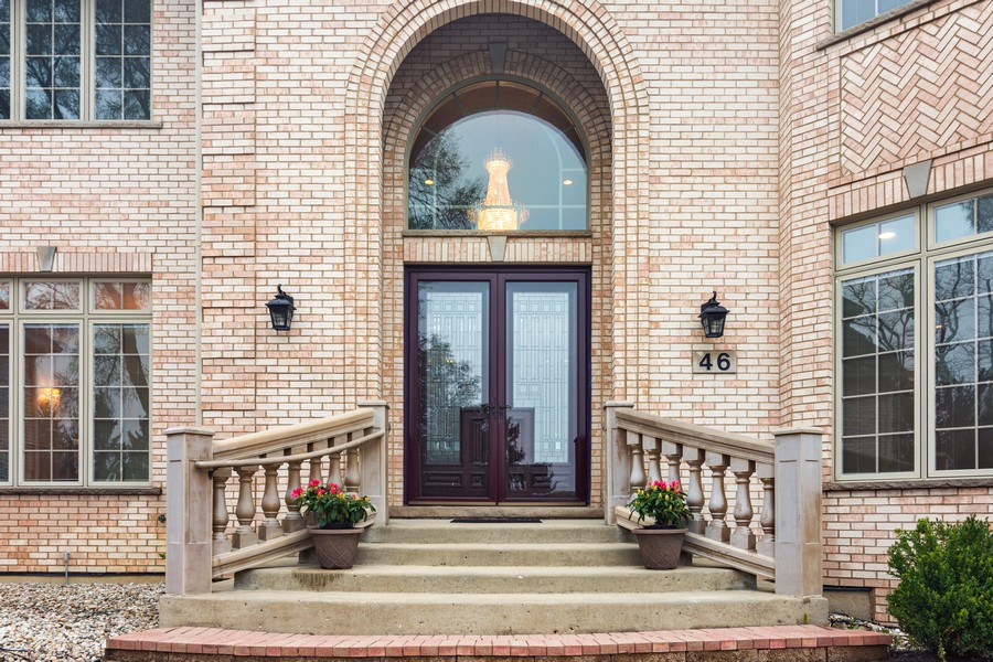 Real Estate Photography - 46 Inverway Rd, Inverness, IL, 60067 - Front View