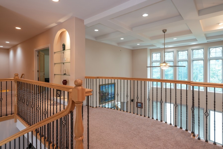 Real Estate Photography - 46 Inverway Rd, Inverness, IL, 60067 - Hallway