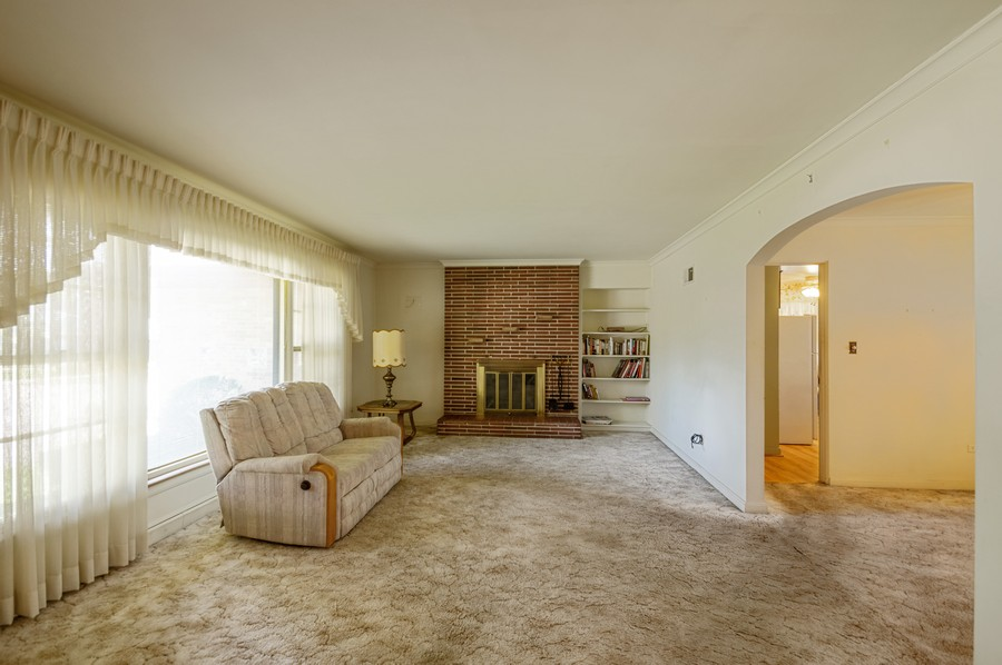 Real Estate Photography - 6380 North Ionia Ave, Chicago, IL, 60646 - Living Room