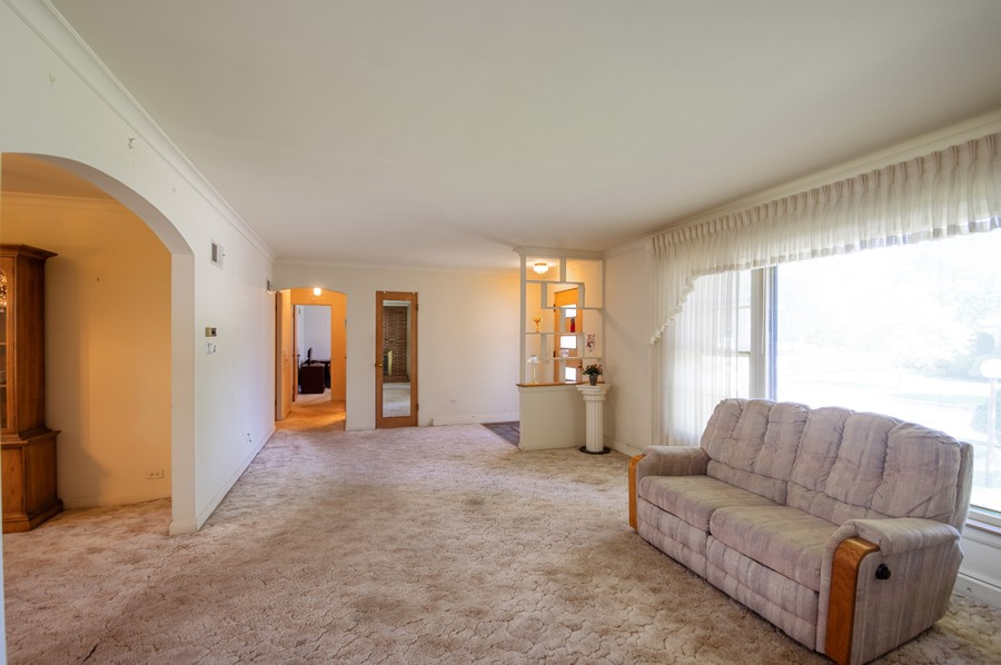 Real Estate Photography - 6380 North Ionia Ave, Chicago, IL, 60646 - Foyer/Living Room