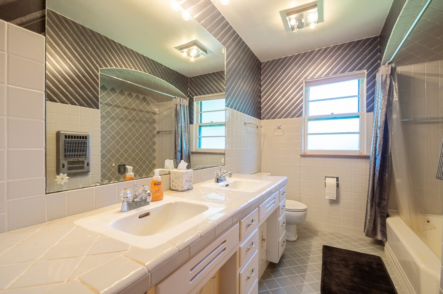 Real Estate Photography - 6380 North Ionia Ave, Chicago, IL, 60646 - Bathroom