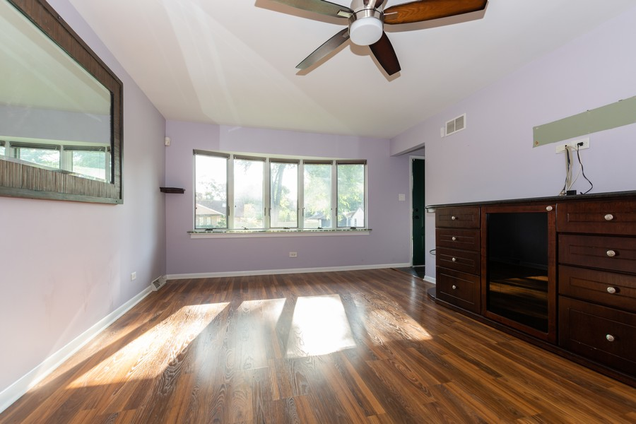 Real Estate Photography - 11720 South Harding Ave, Alsip, IL, 60803 - Living Room