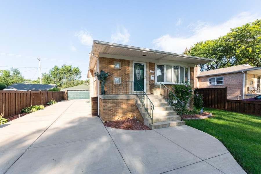Real Estate Photography - 11720 South Harding Ave, Alsip, IL, 60803 - Front View