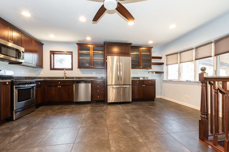 Real Estate Photography - 11720 South Harding Ave, Alsip, IL, 60803 - Kitchen