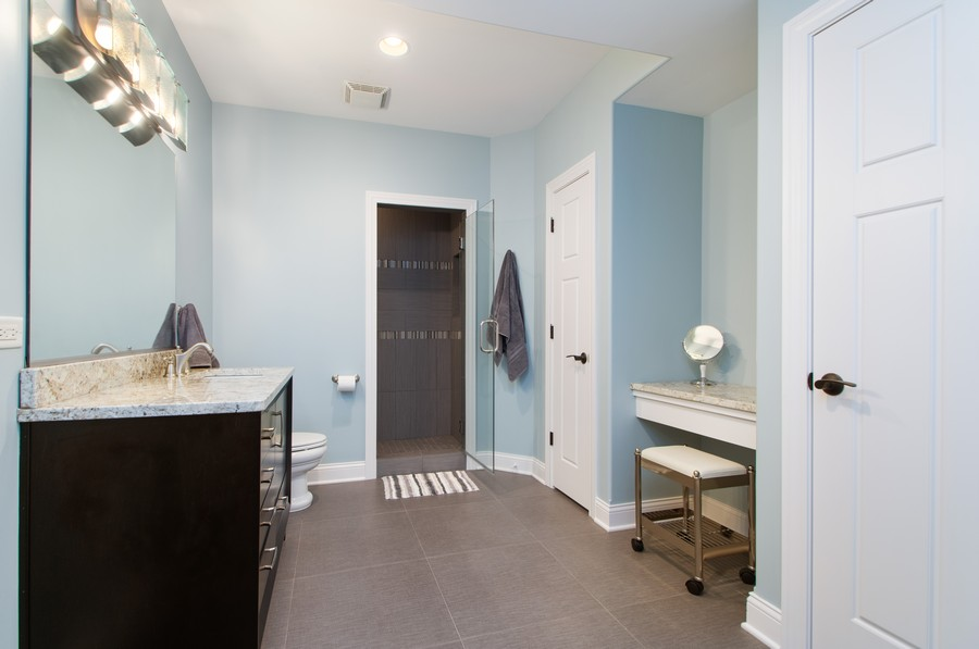 Real Estate Photography - 11828 Brooke Ct, Frankfort, IL, 60423 - Lower Level Bathroom
