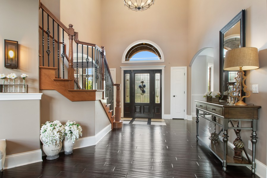 Real Estate Photography - 11828 Brooke Ct, Frankfort, IL, 60423 - Foyer