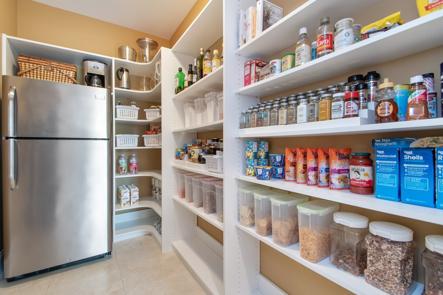 Real Estate Photography - 11828 Brooke Ct, Frankfort, IL, 60423 - Pantry