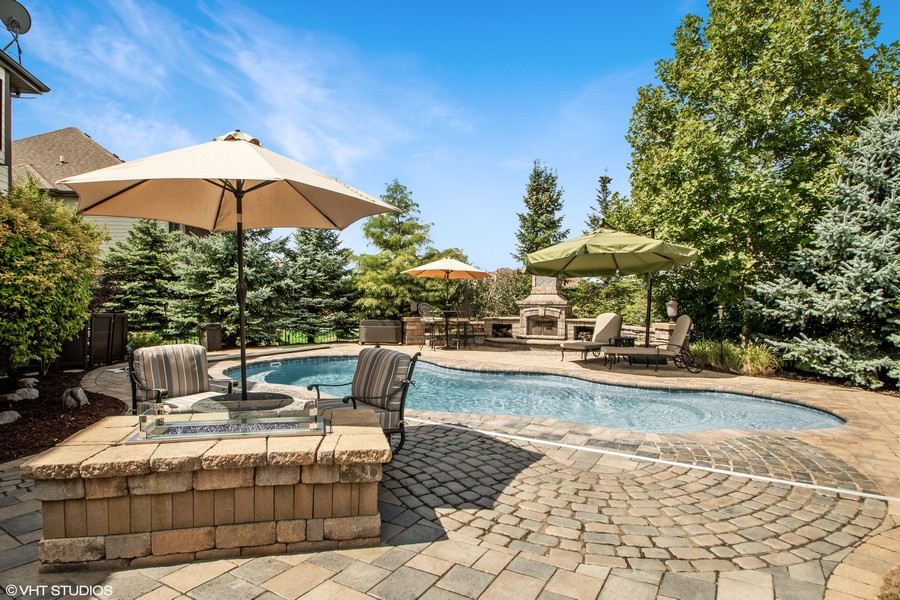 Real Estate Photography - 11828 Brooke Ct, Frankfort, IL, 60423 - Pool