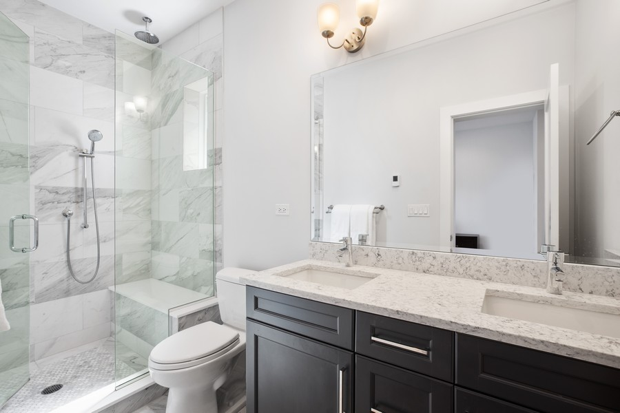 Real Estate Photography - 457 North Aberdeen St, 4S, Chicago, IL, 60642 - Master Bathroom