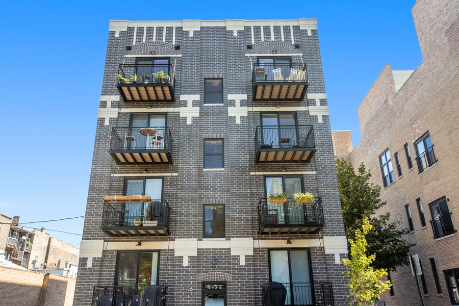 Real Estate Photography - 457 North Aberdeen St, 4S, Chicago, IL, 60642 - Front View