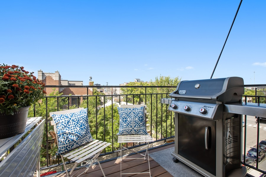 Real Estate Photography - 457 North Aberdeen St, 4S, Chicago, IL, 60642 - Balcony