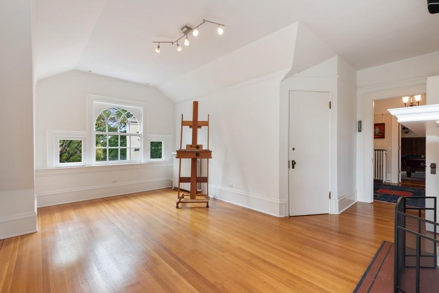 Real Estate Photography - 1128 Ridge Ave, Evanston, IL, 60202 - 3rd Floor Studio/ Bedroom