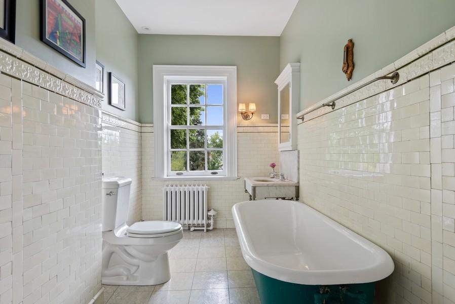 Real Estate Photography - 1128 Ridge Ave, Evanston, IL, 60202 - 3rd Floor Full Bath