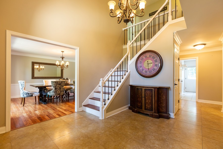 Real Estate Photography - 6S222 New Castle Rd, Naperville, IL, 60540 - Foyer