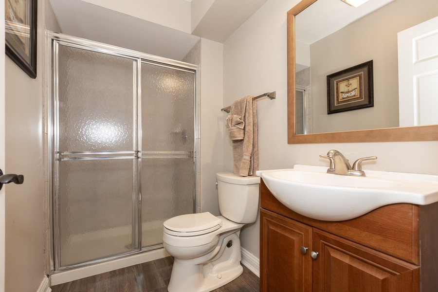 Real Estate Photography - 6S222 New Castle Rd, Naperville, IL, 60540 - First Floor Full Bathroom