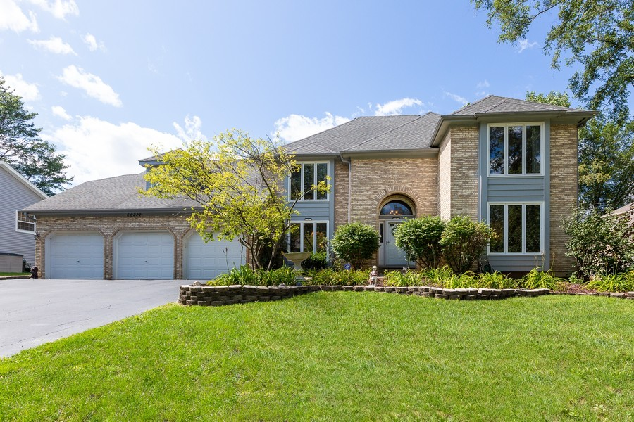 Real Estate Photography - 6S222 New Castle Rd, Naperville, IL, 60540 - Exterior Front