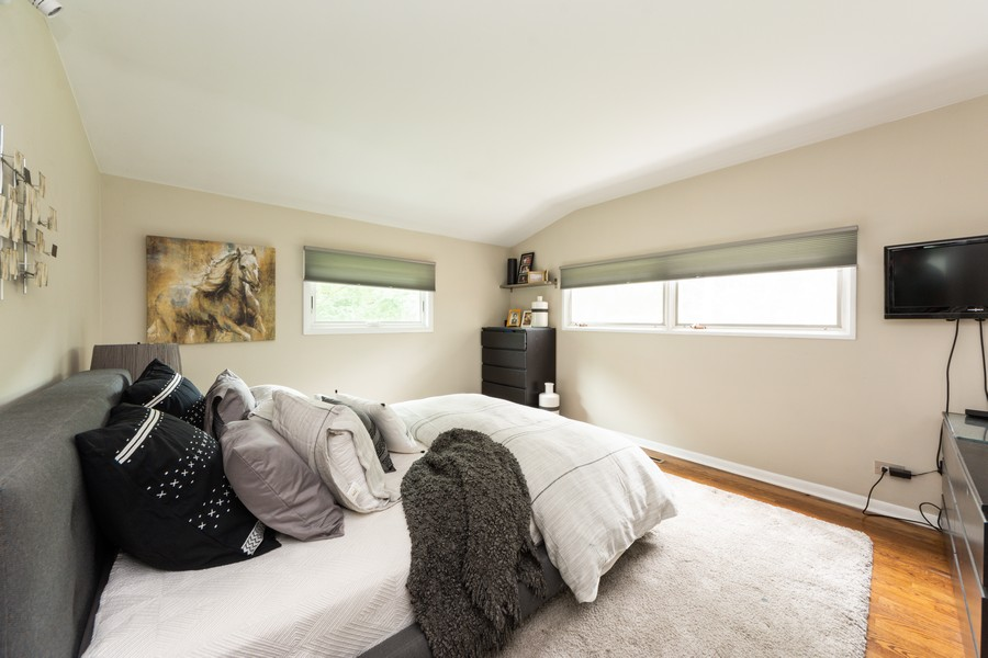 Real Estate Photography - 131 S Maple Ct, Palatine, IL, 60067 - Master Bedroom