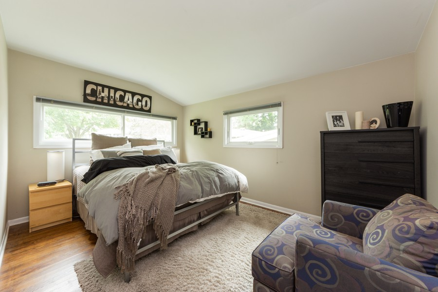 Real Estate Photography - 131 S Maple Ct, Palatine, IL, 60067 - 2nd Bedroom