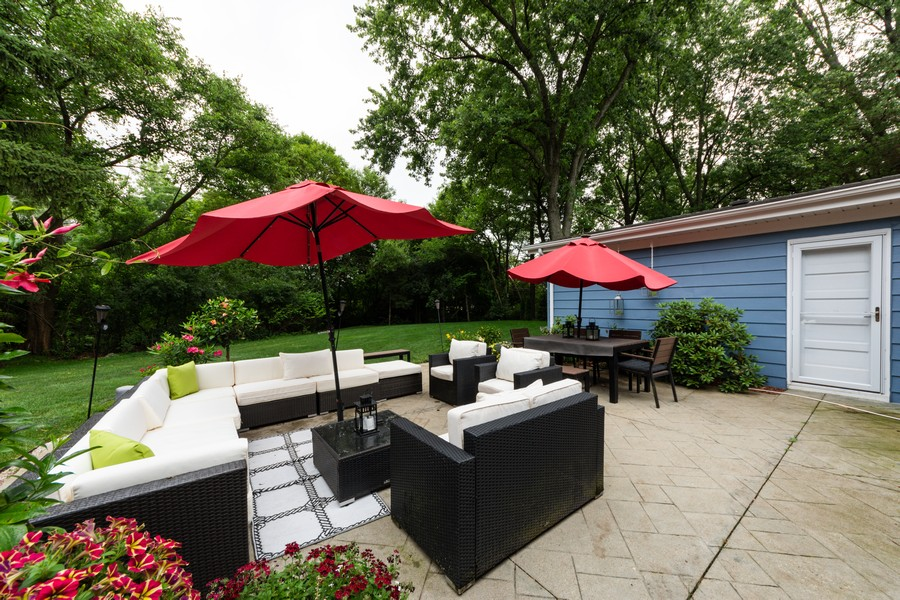 Real Estate Photography - 131 S Maple Ct, Palatine, IL, 60067 - Patio
