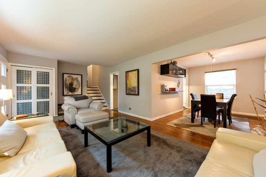 Real Estate Photography - 131 S Maple Ct, Palatine, IL, 60067 - Living Room / Dining Room
