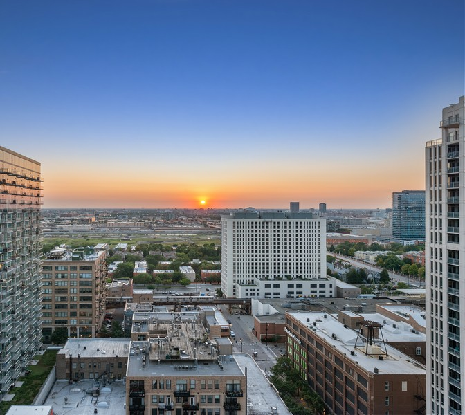 Real Estate Photography - 1305 S Michigan Ave, 2103, Chicago, IL, 60605 - View