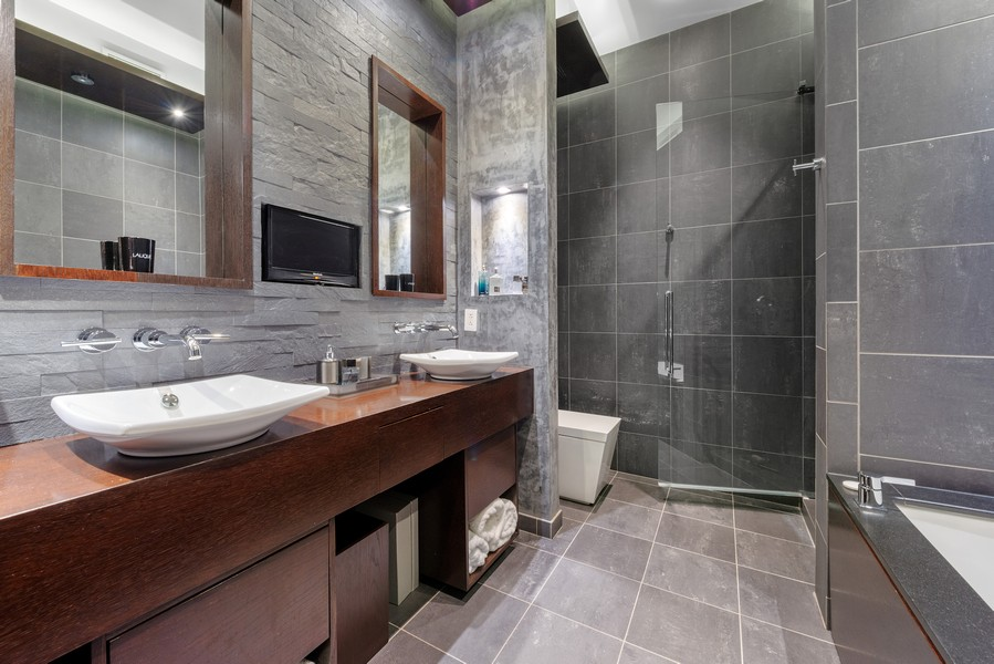 Real Estate Photography - 1305 S Michigan Ave, 2103, Chicago, IL, 60605 - Master Bathroom