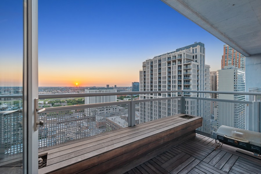 Real Estate Photography - 1305 S Michigan Ave, 2103, Chicago, IL, 60605 - Balcony