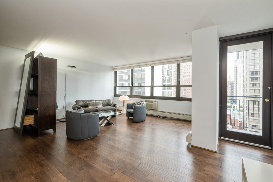 Real Estate Photography - 33 East Cedar St, 16D, Chicago, IL, 60611 - Living Room