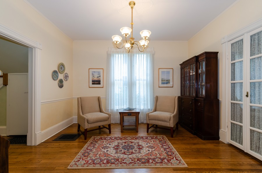 Real Estate Photography - 1027 Judson Ave, Evanston, IL, 60202 - Sitting Room