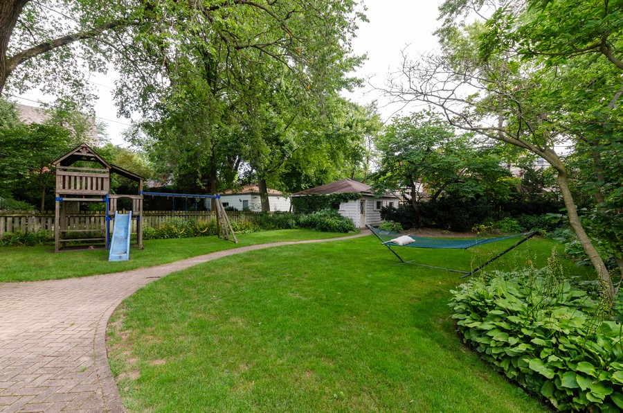 Real Estate Photography - 1027 Judson Ave, Evanston, IL, 60202 - Back Yard