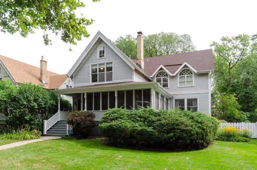 Real Estate Photography - 1027 Judson Ave, Evanston, IL, 60202 - Front View
