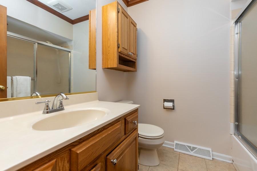 Real Estate Photography - 19 Walnut Ln, Algonquin, IL, 60102 - Bathroom