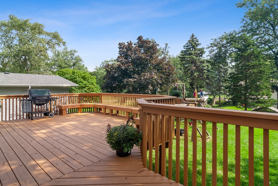 Real Estate Photography - 5805 Clover Dr, Lisle, IL, 60532 - Deck