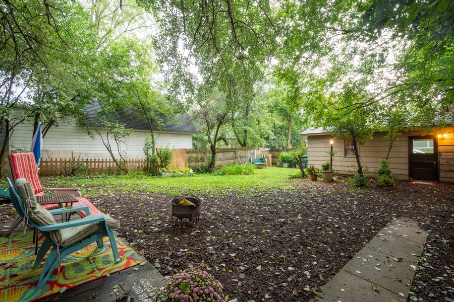 Real Estate Photography - 636 North Hough St, Barrington, IL, 60010 - Back Yard