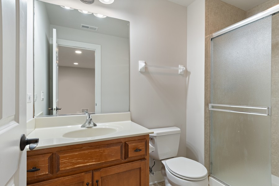 Real Estate Photography - 11674 Liberty Ln, Plainfield, IL, 60585 - 4th Bathroom
