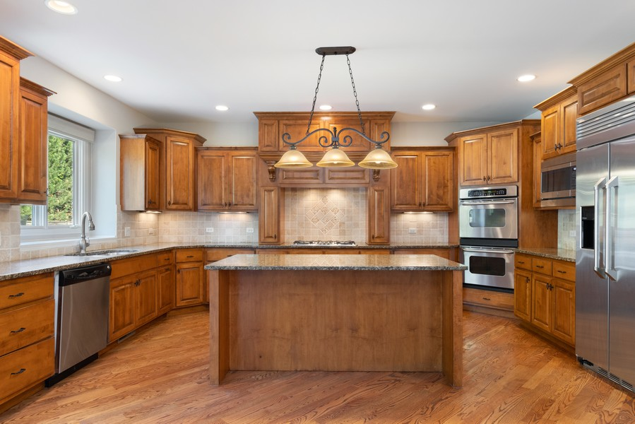 Real Estate Photography - 11674 Liberty Ln, Plainfield, IL, 60585 - Kitchen