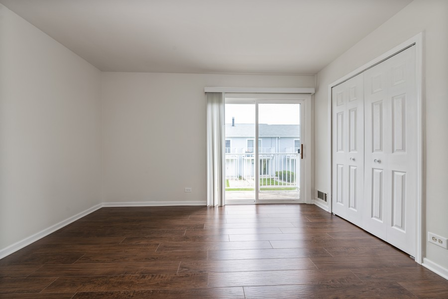 Real Estate Photography - 434 Meadow Green Ln, 434, Round Lake Beach, IL, 60073 - Master Bedroom