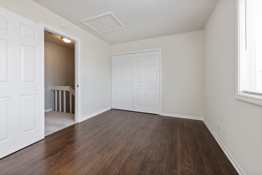 Real Estate Photography - 434 Meadow Green Ln, 434, Round Lake Beach, IL, 60073 - 2nd Bedroom