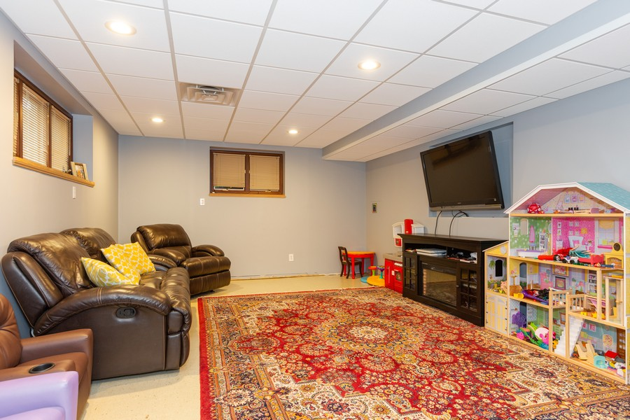 Real Estate Photography - 4750 Pershing Ave, Downers Grove, IL, 60515 - Family Room