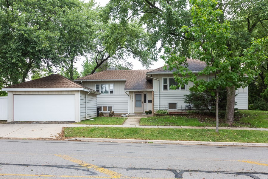 Real Estate Photography - 4750 Pershing Ave, Downers Grove, IL, 60515 - Front View